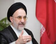 President Khatami zet aanval op Israel in