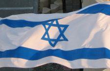Weense politie vervolgt activisten voor wapperen Israelische vlag