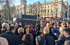 #EnoughIsEnough demonstratie tegen antisemitisme in Londen