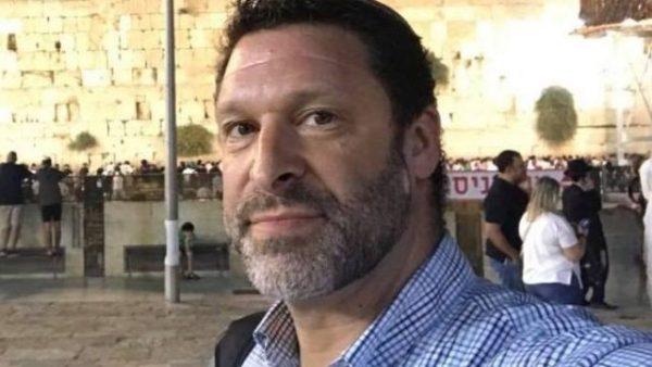 Bekende pro-Israel activist Ari Fuld doodgestoken in Gush Etzion