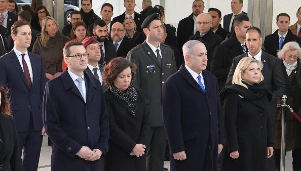 Premier Netanyahu en zijn Poolse ambtsgenoot Morawiecki herdenken de opstand in het ghetto van Warschau.