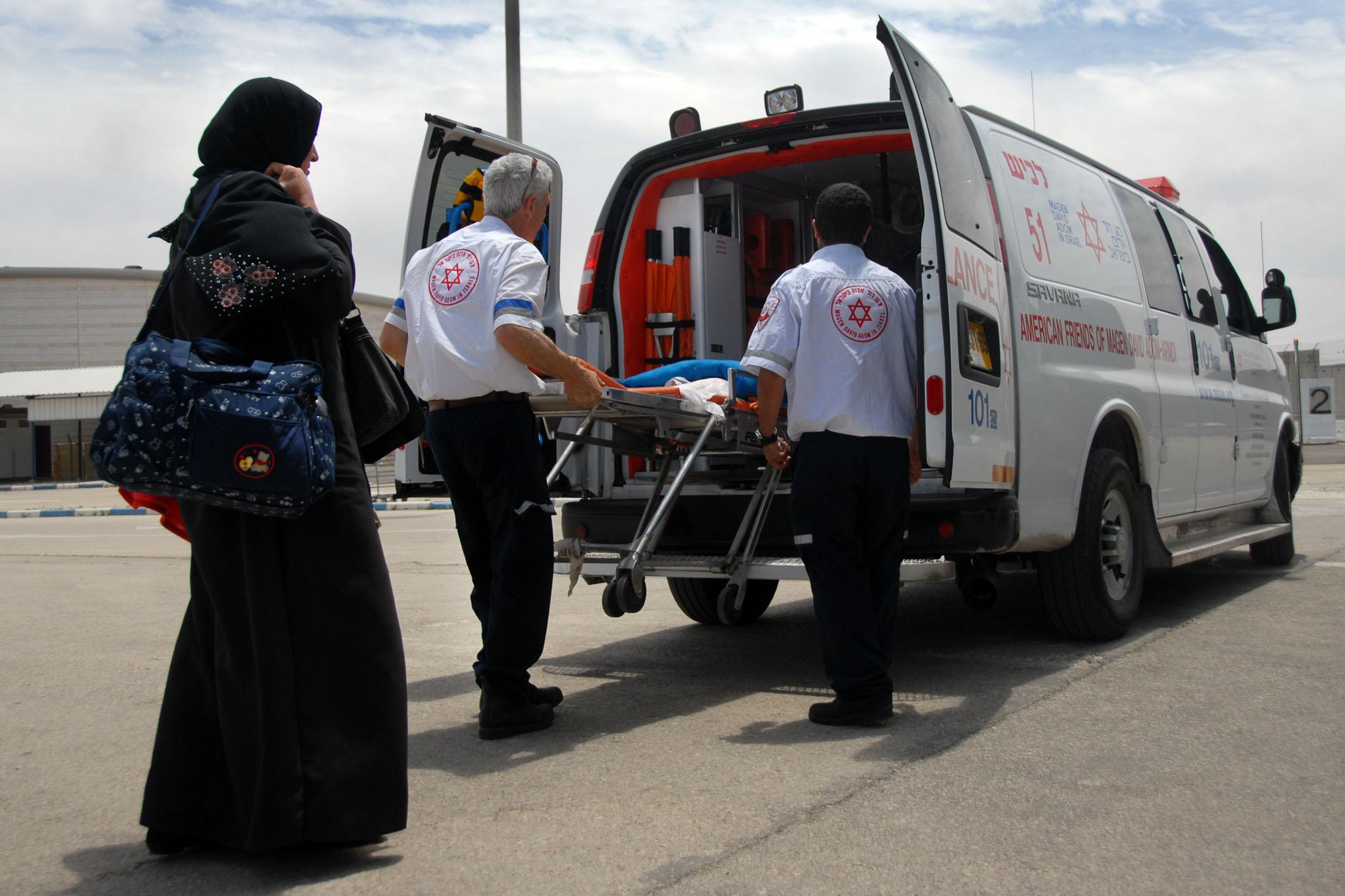 Palestijnen uit de Gazastrook worden voor medische behandelingen overgebracht naar Israel